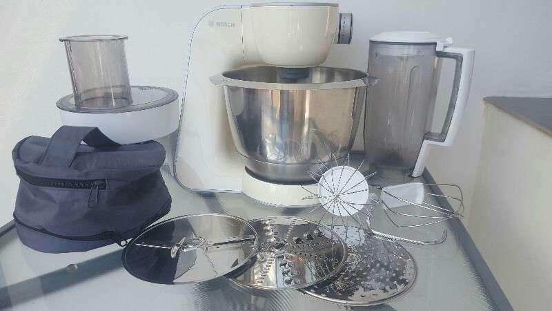 Robot Bosch MUM58920 Machine Compacte pour cuisiner de couleur Vanille ou Argent